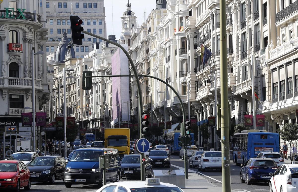 El 38% de los vehículos no podrán circular ni aparcar en el centro de Madrid