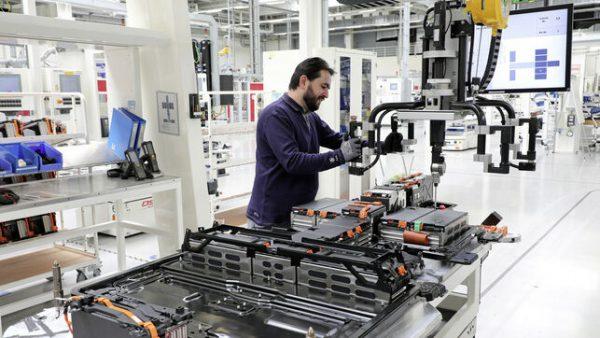Las marcas de coches buscan darles una segunda vida a las baterías del coche eléctrico