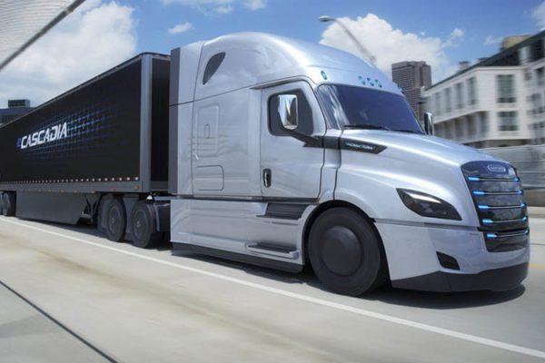 Las primeras unidades del camión eléctrico de Daimler comienzan a operar en EEUU