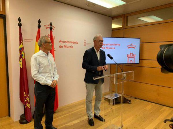 Los coches eléctricos podrán aparcar gratis durante una hora en parkings públicos de Murcia