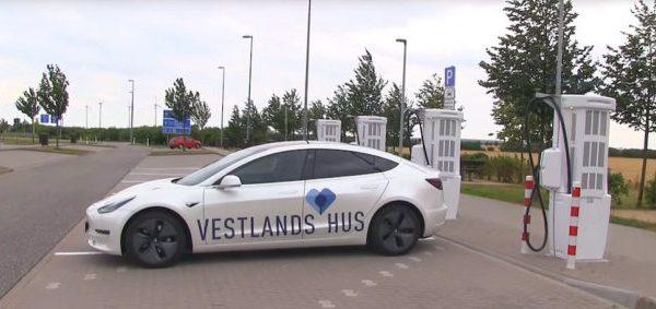 El Tesla Model 3 bate el récord mundial de distancia recorrida: 2.781 km en 24 horas